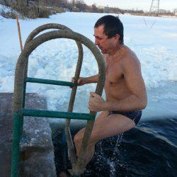 Двадцатиградусный крещенский мороз не остановил желающих уверовать в себя